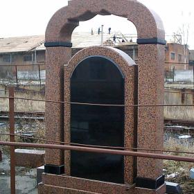 Памятник м107